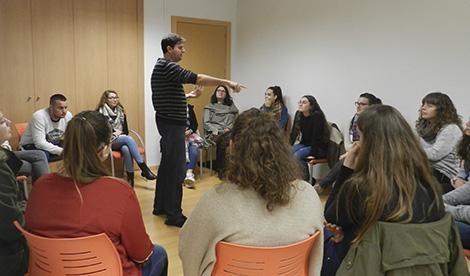 'Los hombres Lobo de Castronegro' aterrizan en nuestras aulas desafiando a los alumnos
